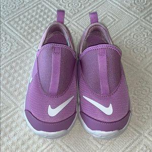 Nike Lil Swoosh Girls